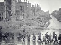 Вид Крещатика после освобождения г. Киева от немецких войск. Ноябрь 1943 г. Фотограф не установлен. РГАКФД