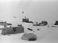 Общий вид дрейфующей научной станции «Северный полюс-10». Северный полюс. Октябрь 1961 г. Фот. Б.Е. Вдовенко.