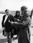 Проверка документов. 1941-1942 гг. Фотограф Хан. РГАКФД