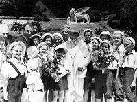 Председатель Президиума Верховного Совета СССР М.И. Калинин среди пионеров лагеря «Артек».