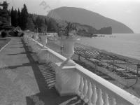 Вид пляжа во Всесоюзном пионерском лагере «Артек».