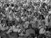 Генеральный секретарь ЦК КПСС Л.И. Брежнев и секретарь ЦК КПСС К.У. Черненко среди пионеров во время посещения лагеря «Артек» в день Международного детского праздника, посвященного Международному году ребенка.