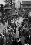 Праздничная процессия на фестивале цветов Хана Мацури в честь дня рождения Будды. Япония, 8 апреля 1930 г. Автор не установлен. РГАКФД.