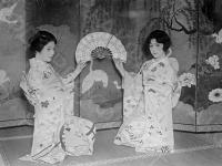 Японские женщины. Япония, г. Токио, 1928 г. Автор не установлен. РГАКФД.