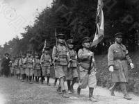 Группа мальчиков на военных строевых занятиях. Япония, 1933 г. Автор не установлен. РГАКФД.
