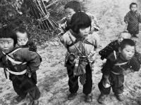 Дети жителей гористых районов префектуры Ивате. Япония, ноябрь, 1958 г. Автор не установлен. РГАКФД.