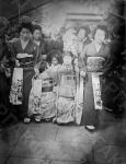 Группа японских женщин с детьми. Япония. Автор не установлен. РГАКФД.
