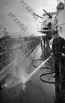 Уборка палубы на корабле Черноморского флота. Черноморский флот, 1942 г. РГАКФД. Арх. № 0-93363.