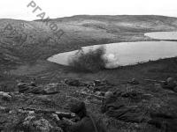 Бойцы морской пехоты на передовой линии фронта. Северный флот, 1942 г. РГАКФД. Арх. № 0-93680.